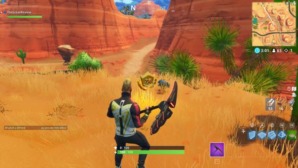 Fouiller entre une oasis, une arche de pierre et des dinosaures