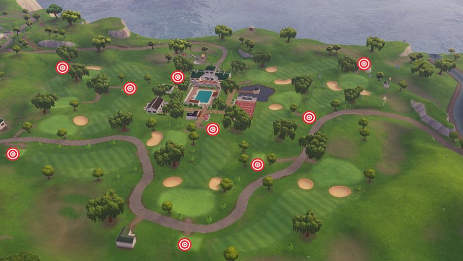 Frapper une balle de golf du tee jusqu'au green à différents trous
